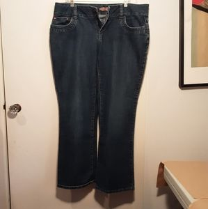 Women's midi rise jeans